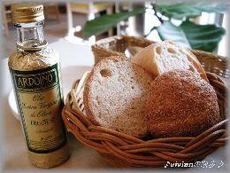 イルチプのタケウチさんのパン.JPG